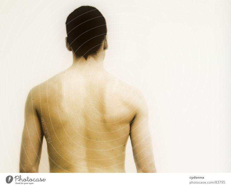 Wer bin ich? Mensch Mann Einsamkeit kalt nackt Wand Kopf Wärme Raum Angst Körper Haut planen Armut Rücken leer