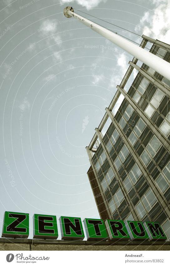Zentrum Stadt Haus Fenster Wand Gebäude Deutschland Wohnung Fassade hoch Hochhaus Schriftzeichen Schulgebäude Baustelle Mitte Verkehrswege DDR