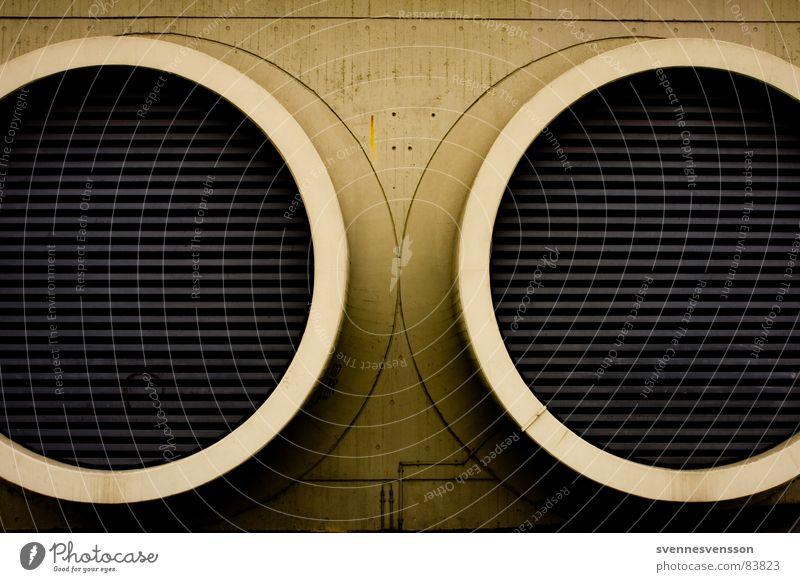 Doppelrohr, die Kraft der zwei Rohre! Gebäude Wärme Luft Linie Beton groß geschlossen Industrie Tunnel Verbindung Röhren Loch Leitung London Underground