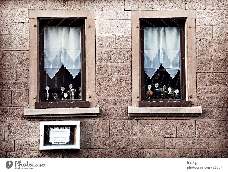 Hier, seht her. Wir sind wer! Fenster Deutschland gold Treppe Gold 3 Erfolg Gastronomie Club Vorhang silber Gardine Silber Tradition Verabredung Pokal