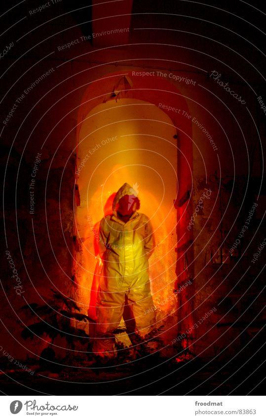 gelb™ - hellish grau grau-gelb Anzug Gummi Kunst dumm sinnlos ungefährlich verrückt lustig Freude rot Langzeitbelichtung Taschenlampe heiß Physik brennen