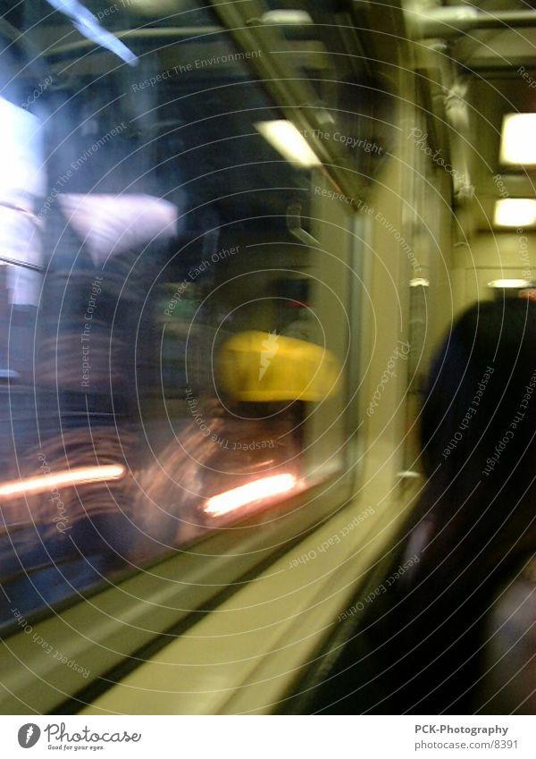 movement Bewegung U-Bahn New York City London Underground