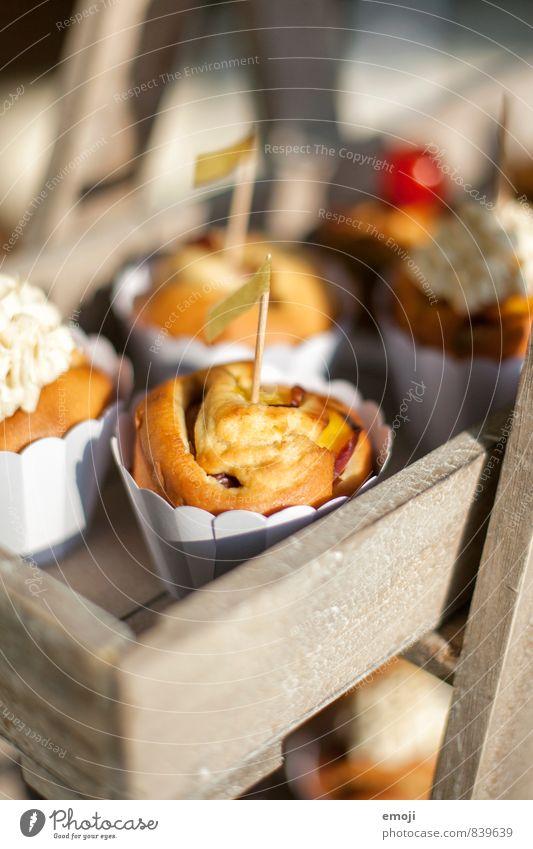 Nektarinen-Muffin Teigwaren Backwaren Kuchen Dessert Süßwaren Ernährung Picknick Fingerfood lecker süß Farbfoto Außenaufnahme Nahaufnahme Menschenleer Tag