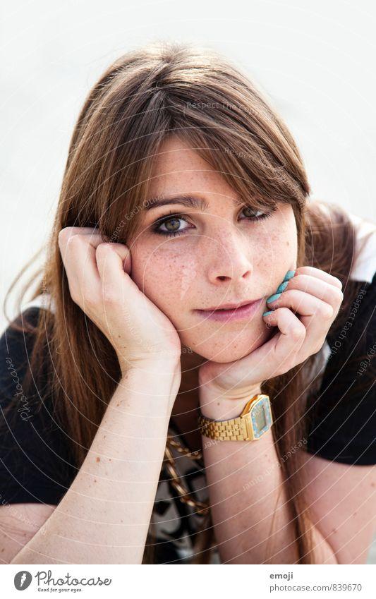 und du feminin Junge Frau Jugendliche Gesicht 1 Mensch 18-30 Jahre Erwachsene brünett langhaarig schön natürlich Neugier Farbfoto Außenaufnahme