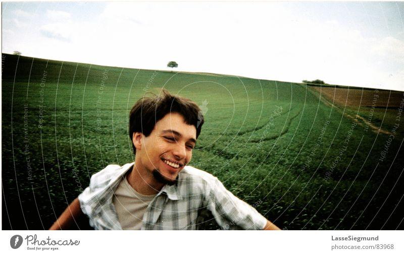 Frühstück in Frankreich II Jugendliche Himmel Baum grün Freude Wolken Wiese Gras Bewegung Frühling Freiheit Glück Feld Fröhlichkeit Rasen Amerika