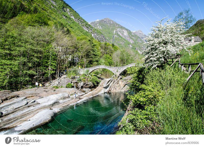 Lavertezzo Natur Ferien & Urlaub & Reisen Landschaft Idylle Europa Brücke Alpen Flussufer Schweiz Kanton Tessin