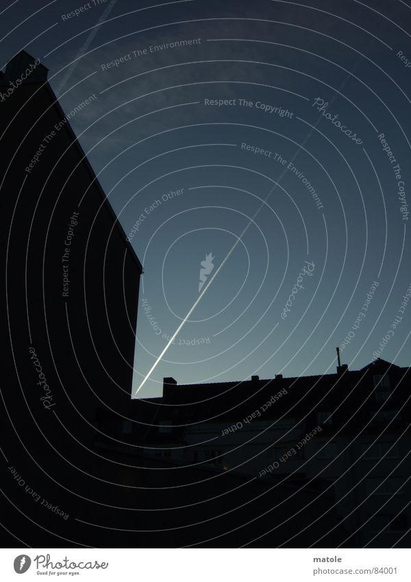 TREFFER Himmel Ferien & Urlaub & Reisen Linie Flugzeug Geschwindigkeit Elektrizität Luftverkehr einfach Ziel Spuren Grenze Verkehrswege eng Geometrie zielen