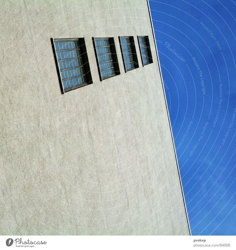 Still geworden Himmel Haus Fenster Hintergrundbild Glas Ordnung modern Kommunizieren Vertrauen diagonal Neigung Putz Fensterscheibe graphisch Geometrie satt
