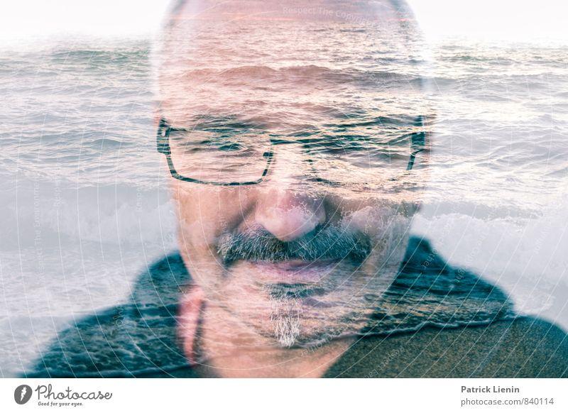 Wassermann Mensch Mann Meer Einsamkeit Erholung ruhig Strand Umwelt Erwachsene Küste Stimmung Kopf maskulin Wellen Zufriedenheit