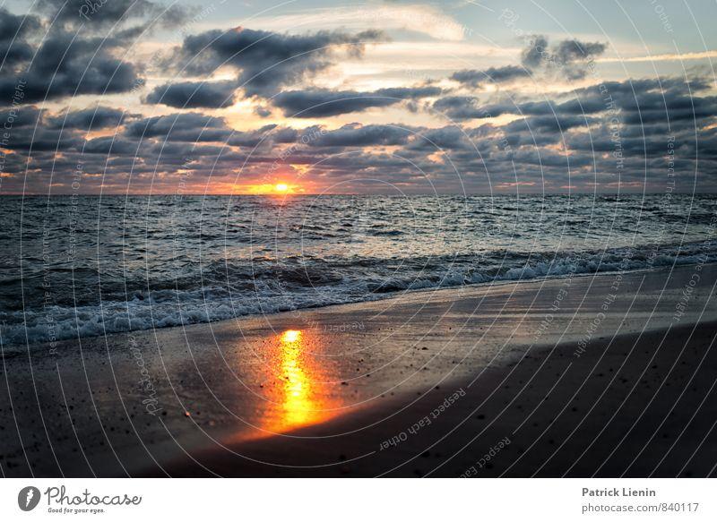 Waiting for the night Natur Ferien & Urlaub & Reisen Wasser Sommer Sonne Meer Landschaft ruhig Wolken Strand Ferne Umwelt Freiheit Luft Wellen Zufriedenheit