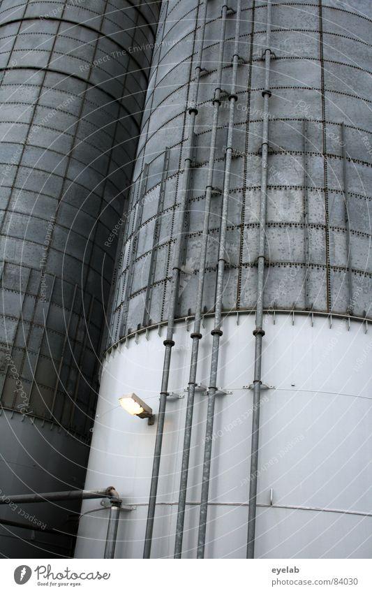Profi Füllhörner Silo grau Vorrat Landwirtschaft Mehl Zucker Gewerbe Gebäude Arbeit & Erwerbstätigkeit Bauernhof Lampe Blech Leitung Wissenschaften aufbewahren