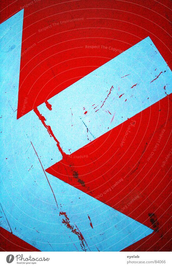 Deutlicher Hinweis Arbeit & Erwerbstätigkeit orange Schilder & Markierungen Verkehr Sicherheit Pfeil Richtung trashig Hinweisschild Verkehrsschild Grunge