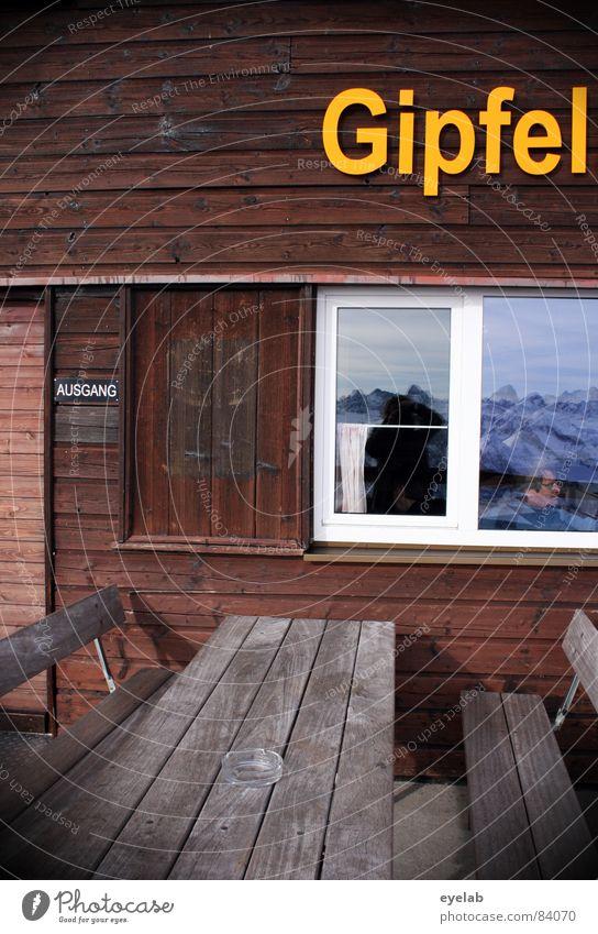 Titel siehe Foto (150) Restaurant Holz braun Bank Tisch gelb Fenster Ausgang Eingang Bergrestaurant Allgäu Nebelhorn (Berg) Reflexion & Spiegelung Gasthof