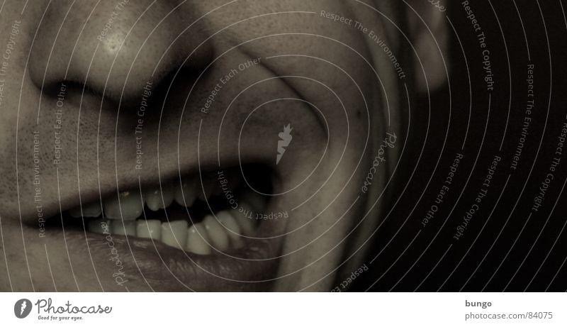 Falten machen Mann Gesicht sprechen lachen Denken Mund Nase Zähne Kommunizieren Ohr Konzentration Stress Verzweiflung grinsen