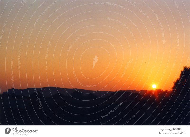 Die Sonne explodiert Sonnenuntergang Abend