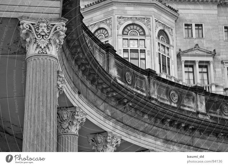 DD/02/2006 Dresden historisch Kunst Vergangenheit Palast Architektur Wahrzeichen Denkmal Schloss Albrechtsberg Burg oder Schloss Sehenswürdigkeit
