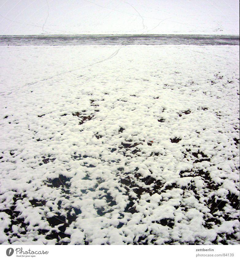 Winter Winter Schnee Wege & Pfade Eis Spuren gefroren Verkehrswege Neuschnee Streusand Winterdienst Schneedecke Schneeschmelze Rutschgefahr Streusalz Eischnee