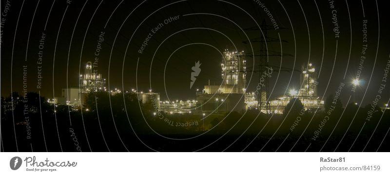 Industrie Skyline schwarz dunkel groß Panorama (Bildformat) HDR Nachtaufnahme