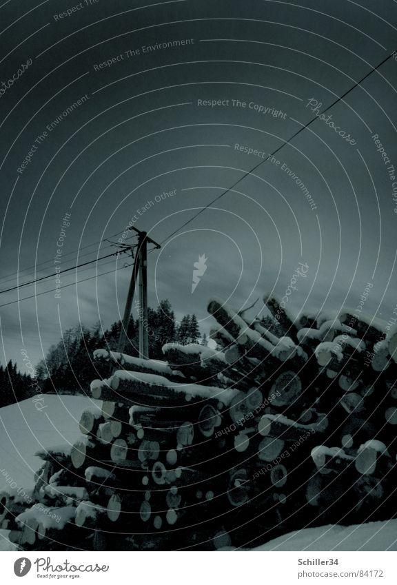 Nachtschicht Baum Wolken dunkel Wald schwarz Berge u. Gebirge Schnee Holz grau Linie Regen Eis Angst Elektrizität Ecke geheimnisvoll