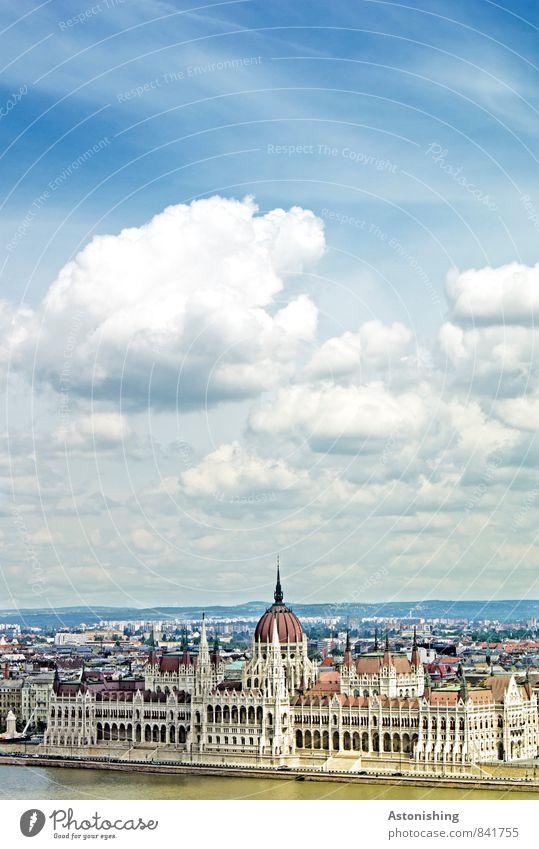 Parlament Budapest Himmel Natur blau Stadt Wasser Sommer Wolken Haus Umwelt Architektur Gebäude Horizont Luft Fassade Wetter groß