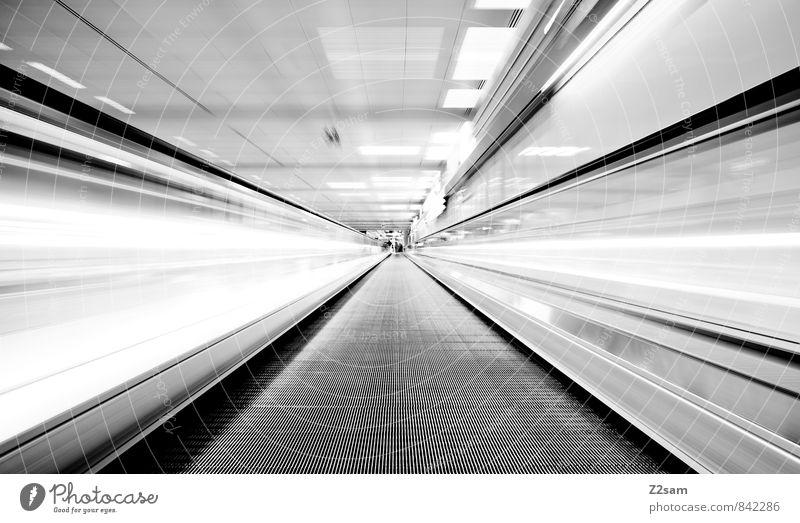 3 Maß Bier Bauwerk Gebäude Architektur Personenverkehr Rolltreppe Bewegung einfach Ferne kalt Stadt ästhetisch Design elegant Endzeitstimmung Energie