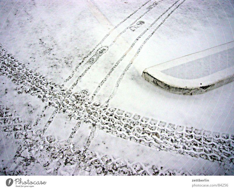 Schnee Standheizung Fußspur Schneedecke Schneeflocke Winterdienst Streusand Streusalz Parkplatz Verkehr Landeplatz Abstellplatz Split Schneeschmelze Kies