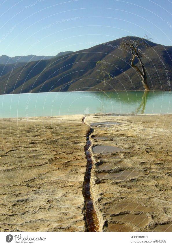 Real oder Surreal?? Wasser Himmel grün ruhig Berge u. Gebirge Stein Sand Erde Wasserfall Mexiko Abwasserkanal Mineralien Kalk