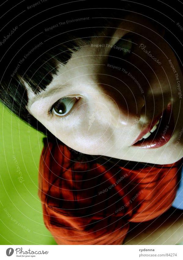 Farbe bekennen II Frau Mensch grün rot Gesicht dunkel Erholung Gefühle Stil Haare & Frisuren Kopf Mund Erde Raum Nase