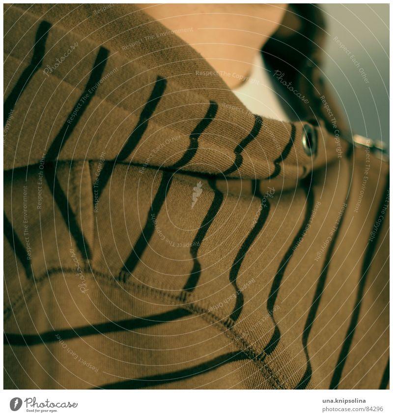 gestreift Zufriedenheit Erholung Mode Jacke Linie Streifen Schnur braun schwarz Quadrat Kapuze Öse Speiseröhre Hals schmaler streifen genick Farbfoto
