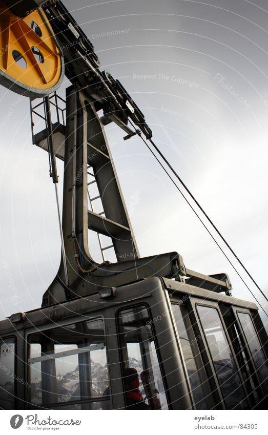 Wenn die Gondeln Raureif tragen Gondellift Seilbahn Mechanik Passagier Tourist Freizeit & Hobby Bräune Aussicht Nebelhorn (Berg) Jagertee Gebäude Reling Gipfel