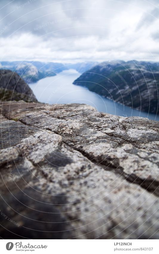 N O R W A Y - 12er - XXIII Umwelt Natur Landschaft Wasser Himmel Wolken Sommer schlechtes Wetter Lysefjord Norwegen Sehenswürdigkeit wandern ästhetisch