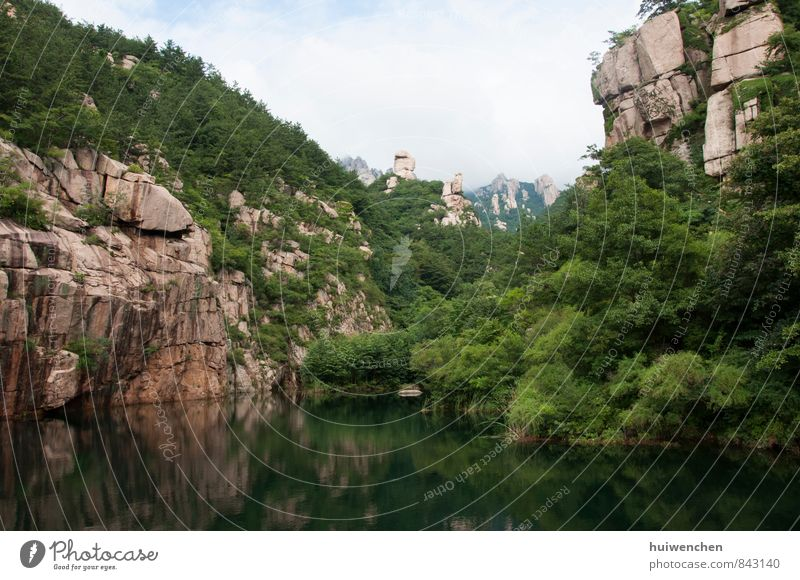 Himmel Natur blau Pflanze schön grün Wasser Sommer Baum ruhig Landschaft Berge u. Gebirge See braun Felsen Tourismus