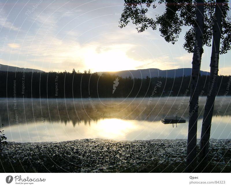 See am Morgen Sonnenaufgang Nebel Kanada Spiegelbild Wasser Küste Berge u. Gebirge