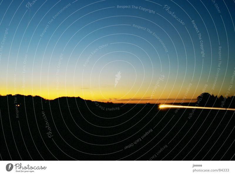 Leuchtspur Dämmerung Langzeitbelichtung Sonennuntergang Peiting Bewegung Abend