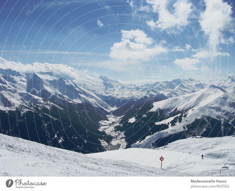 Verschneite Bergwelt blau weiß Erholung Einsamkeit ruhig Freude Winter schwarz kalt Berge u. Gebirge Schnee Sport oben Freizeit & Hobby einzigartig