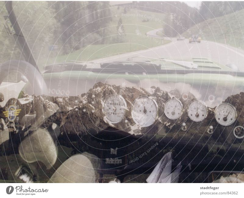 Ab in die Berge Freude Straße Berge u. Gebirge Wege & Pfade PKW Grafik u. Illustration Asphalt fantastisch Spiegel Straßenbelag Maschine Bus Rennbahn