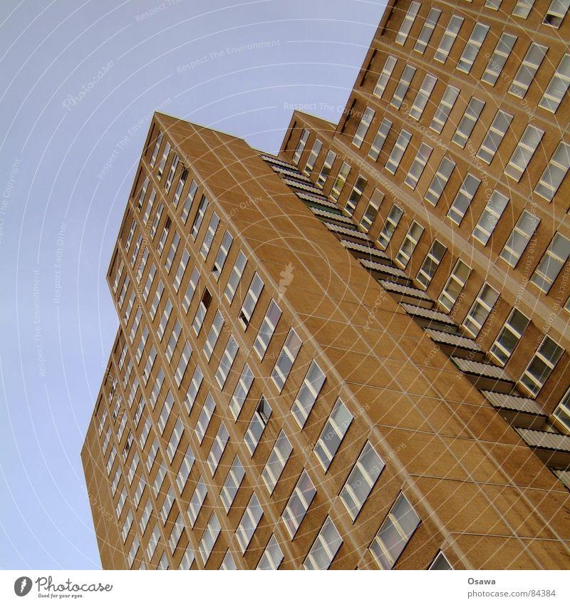 Schöner Wohnen 11 Himmel Haus Wolken Leben Berlin Fenster Stein Gebäude Deutschland Arme Wohnung Armut Beton Fassade Perspektive Baustelle