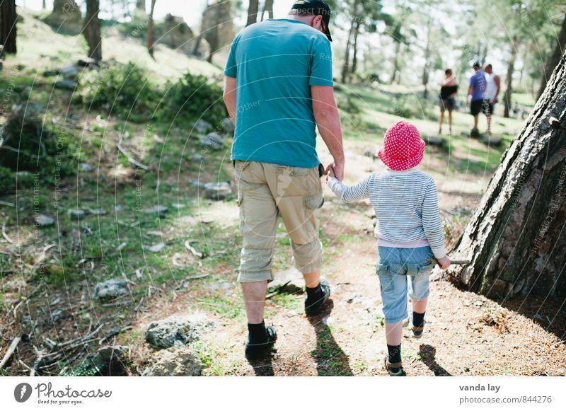 Wandertag mit Papa Mensch Ferien & Urlaub & Reisen Mann Sommer Mädchen Erwachsene Berge u. Gebirge Freizeit & Hobby Zusammensein Familie & Verwandtschaft