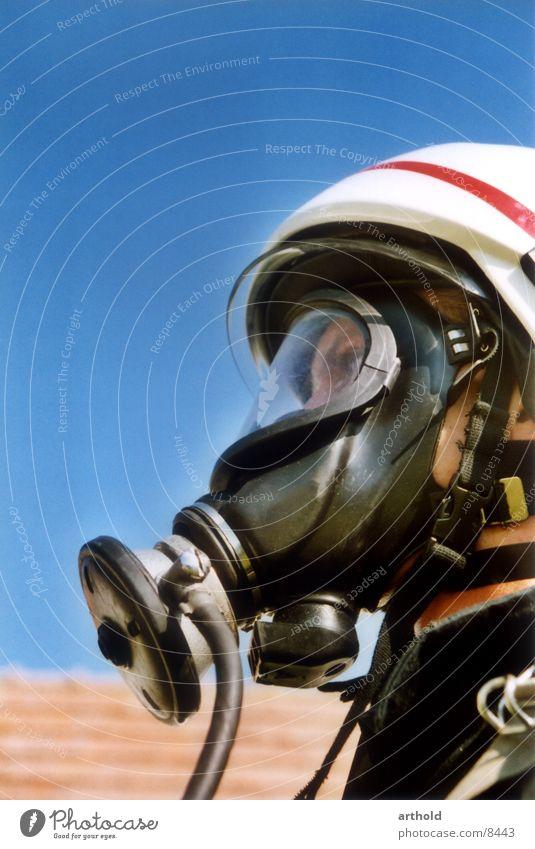 Maskenmann Mensch Feuerwehrmann Schutz Atemschutzmaske Schutzmaske