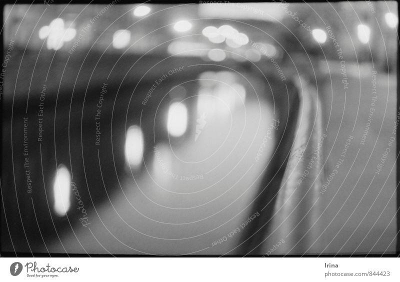 Neva Nights II Städtereise St. Petersburg Stadt Altstadt Menschenleer Kanal Gefühle Verliebtheit Romantik ruhig ästhetisch Stimmung analog gehen Schlafwandeln
