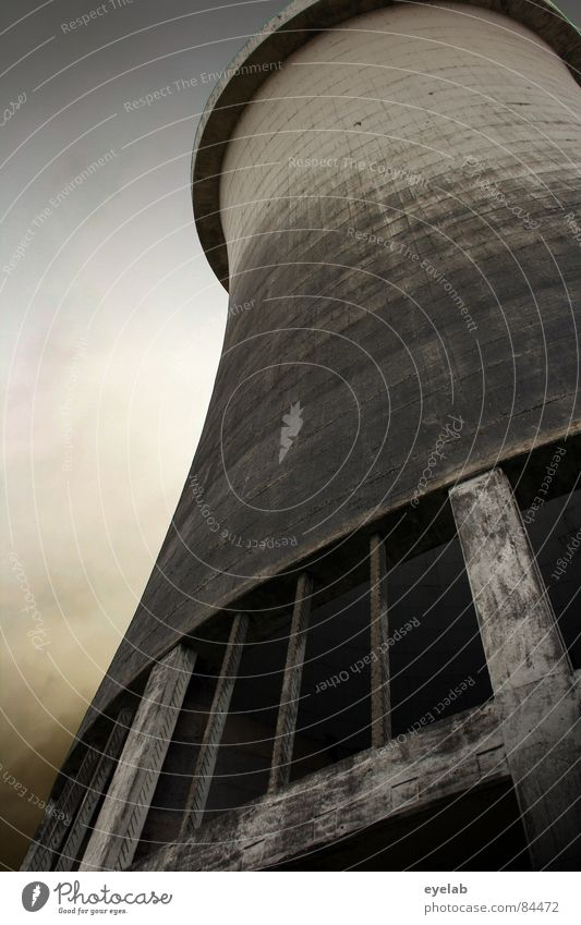 Phallus Symbole der Industrie (Lektion 2) Himmel Umwelt Wärme Herbst grau Arbeit & Erwerbstätigkeit Regen dreckig Energiewirtschaft Elektrizität Macht Turm