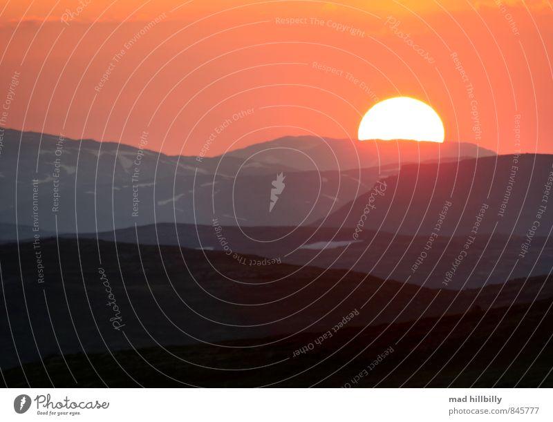 das Ende naht Himmel Natur Ferien & Urlaub & Reisen Sonne Erholung ruhig Landschaft Freude dunkel Berge u. Gebirge Gefühle Glück Stimmung Horizont Schneefall