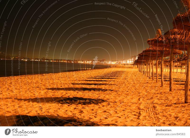 Ballermann 6 - mal ganz anders Palma de Mallorca leer Strand Badestelle Küste Erde Sand leer stehend