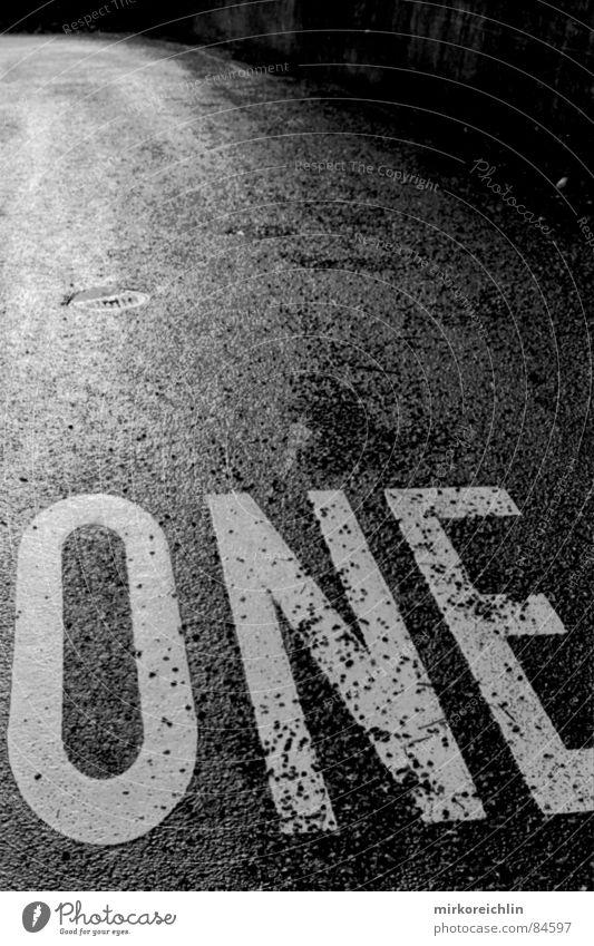 ONE weiß Straße Leben dunkel 1 Stein Graffiti 2 klein Erfolg groß Geschwindigkeit Ziel Buchstaben Verkehrswege Kurve