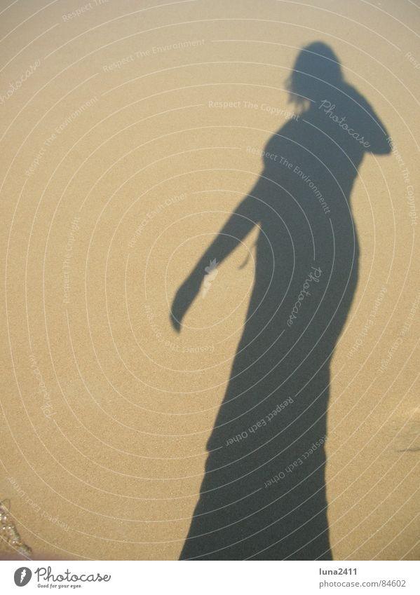 Schatten werfen Frau Sonne Meer Strand feminin Küste Brandung Selbstportrait Niederlande
