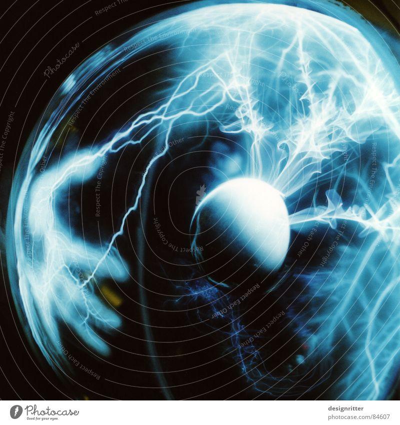 Britzel Licht Plasma Lampe Blitzschlag aufgeladen Elektrisches Gerät Elektrizität Blitze Steckdose Stromkreis Strommast Technik & Technologie Aufladung