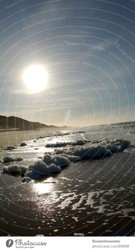Sunny Himmel blau Wasser schön Sonne Meer Winter Strand Wolken Einsamkeit ruhig Erholung Landschaft kalt Graffiti Berge u. Gebirge