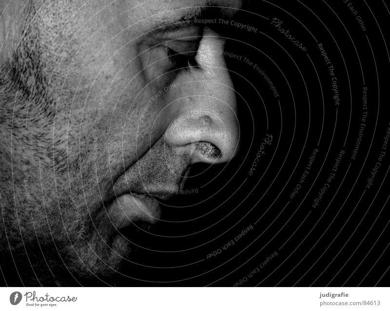in sich maskulin Silhouette Porträt Bart unrasiert schwarz ruhig Gelassenheit Meditation Denken Konzentration Wachsamkeit Bündel intensiv weiß Schwarzweißfoto