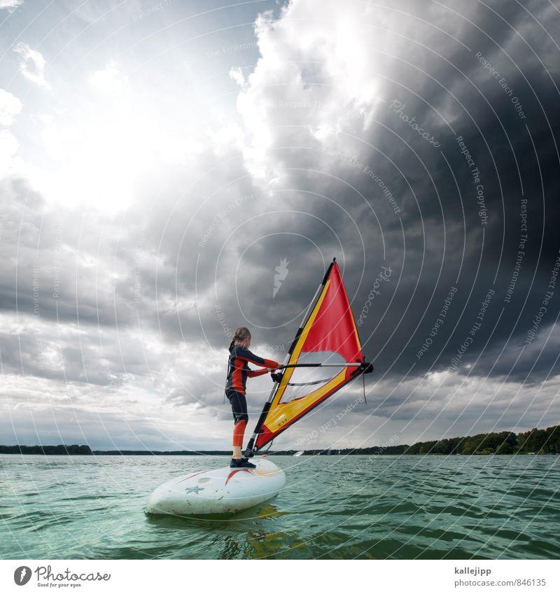 1,5 qudratmeter glück Mensch Kind Wasser rot Wolken Freude Leben Bewegung Sport See Wellen Kindheit stehen Fitness Seeufer Schifffahrt