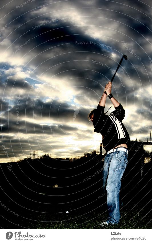 X-GOLF Himmel Baum Licht Freizeit & Hobby Fischauge Sonnenuntergang Stimmung Wolken Gras Sport Spielen Freude sky Natur sun Rasen tree Golf Ball Jeanshose boy
